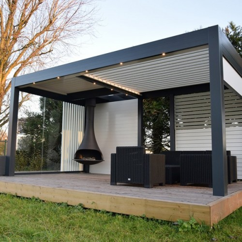 bioclimatic pergola sun blind innovation solisysteme outdoor living. Black Bedroom Furniture Sets. Home Design Ideas