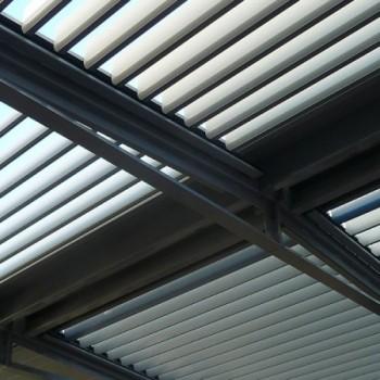 bioclimatic pergola sun blind innovation solisysteme outdoor living. Black Bedroom Furniture Sets. Home Design Ideas